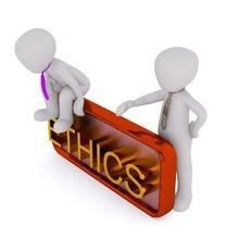 Czy zawody zaufania publicznego powinny się reklamować? Komentarz prof. Adama Mariańskiego na łamach czasopisma Radca Prawny